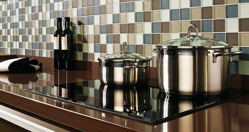 La cualidad principal de los azulejos para cocinas modernas for Baldosas para cocinas modernas