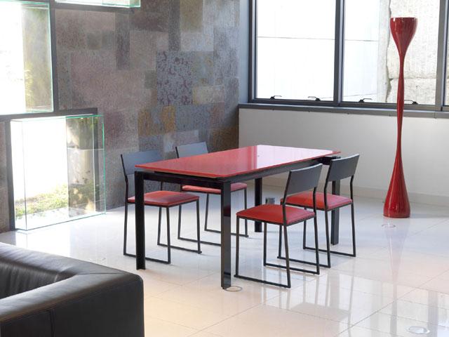 Dise os en mesas de cocina modernas for Mesa cocina moderna