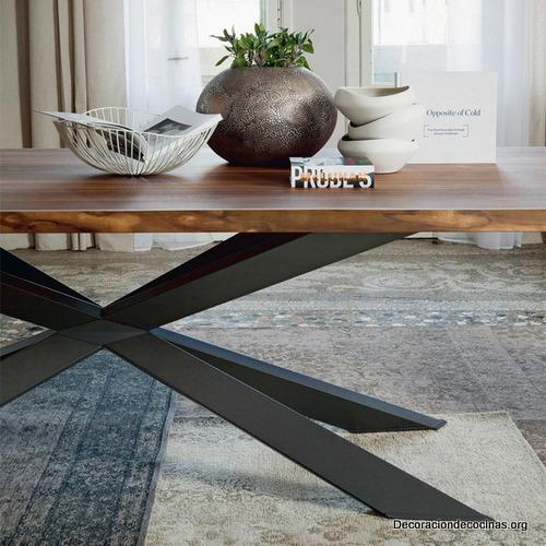 Mesa con bordes irregulares hecha de madera (3)